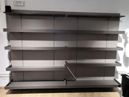 Scaffalature e arredamento per negozio e ufficio