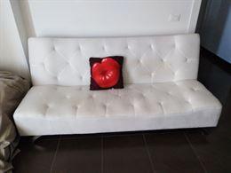 Divano letto + copri divano in regalo