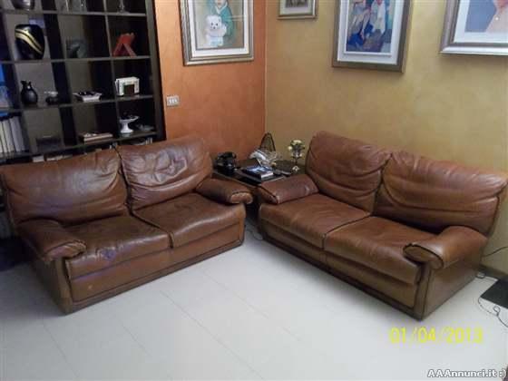 Milano divani usati e poltrone usate divani letto for Divani in cuoio