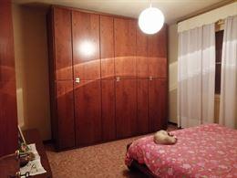 Camera matrimoniale completa colore noce, in ottime condizio