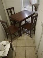 Tavolo con sei sedie