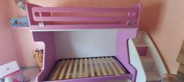 Cameretta letto a ponte colore rosa e bianca