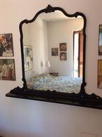 Specchio in ottime condizioni. Dimensioni: