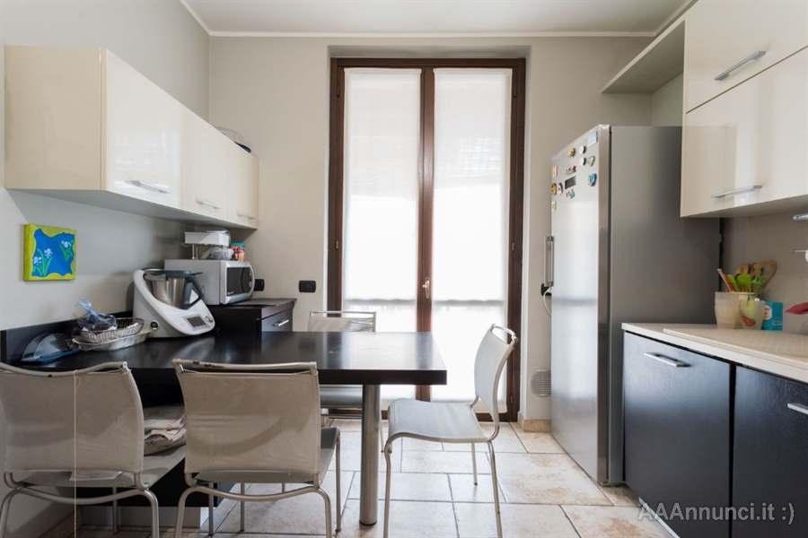Cucina clusi forno, piano cottura, lavello e cappa - Varese ...