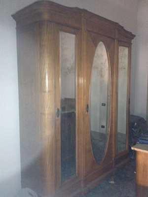 Armadio legno pregiato chiaro anni '20 di legno