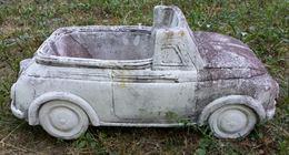 Auto Fiat 500 cabriolet di recupero pota vasi