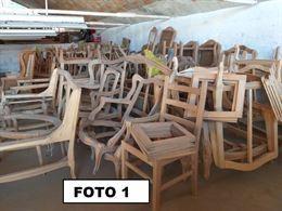 Stock sedie, strutture letti e divani in massello al grezzo