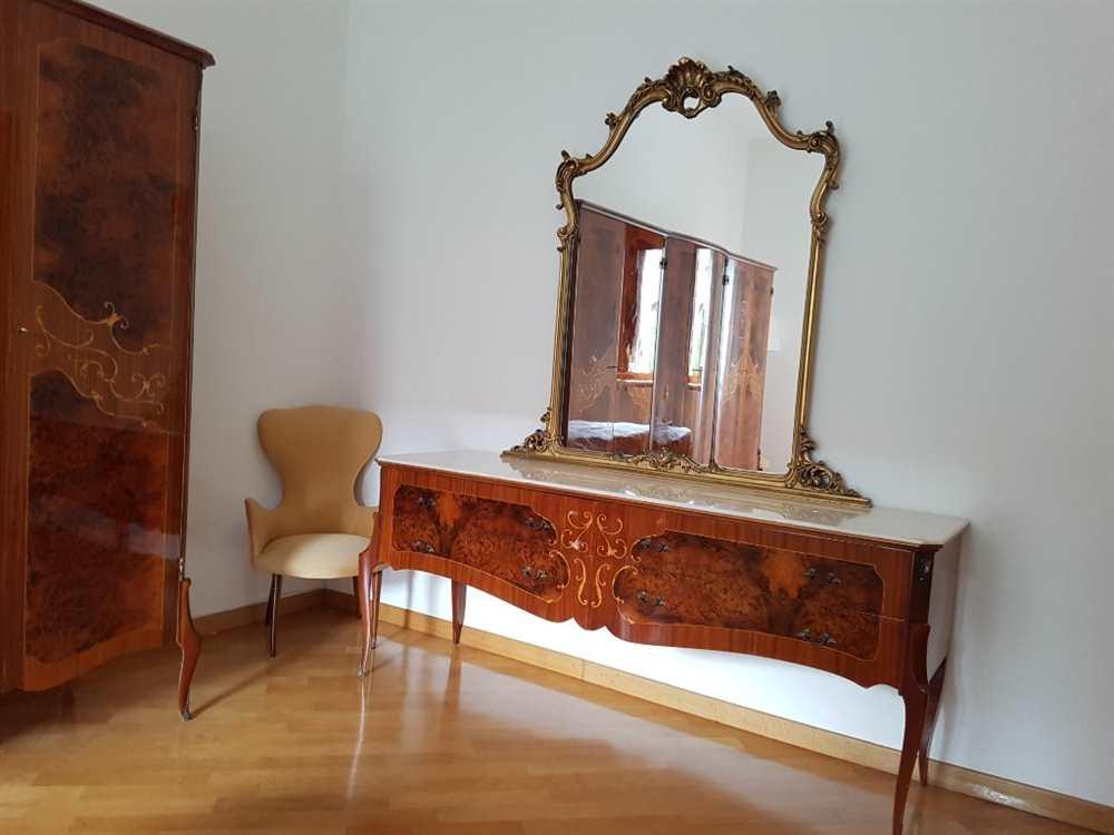 Camera Da Letto Matrimoniale In Radica Di Noce Intarsiata Potenza