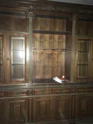 Armadio salone in legno massiccio