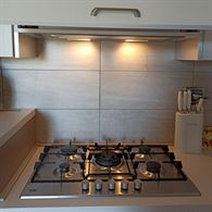 Cucina angolare con elettrodomestici Beko