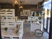Arredamento completo negozio legno bancali cassette scaffali