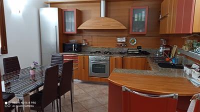 Cucina angolare legno alta qualità con elettrodomestici